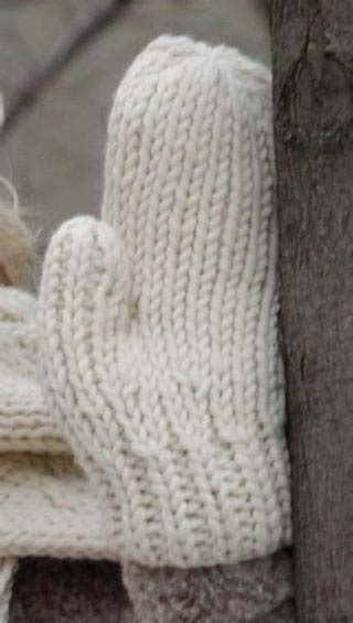 how to knit mittens warm wool mittens free knitting patterns favecrafts