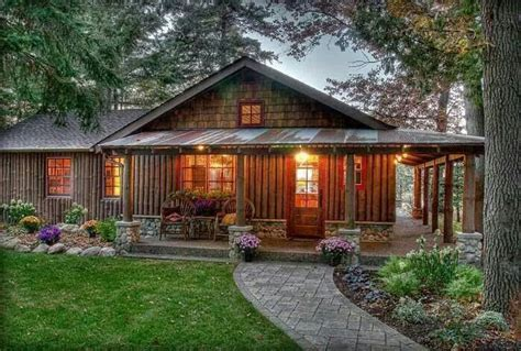 love this porch log cabin lodge pinterest note the landscaping and sidewalk no high steps without