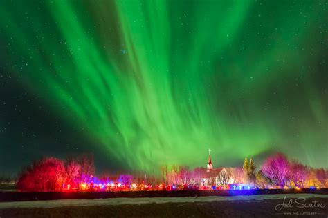 pictures of the northern lights in iceland chasing the dreamy northern lights joel santos