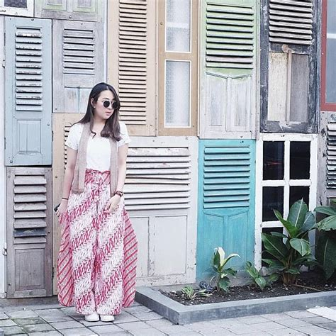 Jh Bag Hitam kece nih 5 gaya agatha pricilla pakai kaus terlihat trendi banget