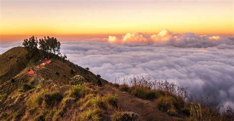 Stiker Taman Nasional Gunung Rinjani mau ada kereta gantung di gunung rinjani nasib pendaki bagaimana ya okezone lifestyle