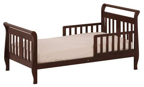 Wood Toddler Bed room for baby