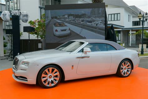 rolls royce white convertible rolls royce dawn has made its singapore debut torque