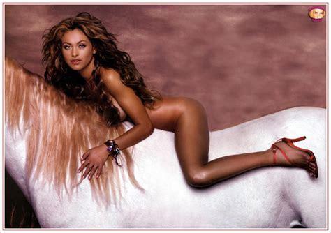 imagenes hot filtradas de famosas noticias fotos sexy de paulina rubio