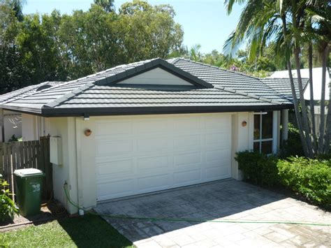 house painters sunshine coast homestyle roof painters repairs sunshine coast in alexandra headland qld roofing