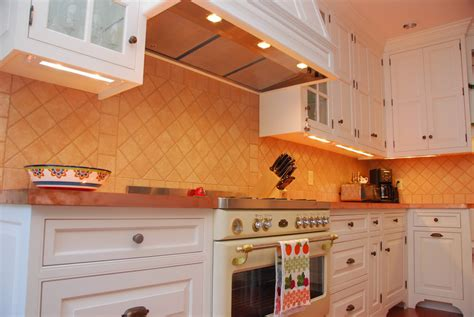 How To Install Cabinet Lighting In Your Kitchen by Installing Low Voltage Cabinet Lighting On Winlights