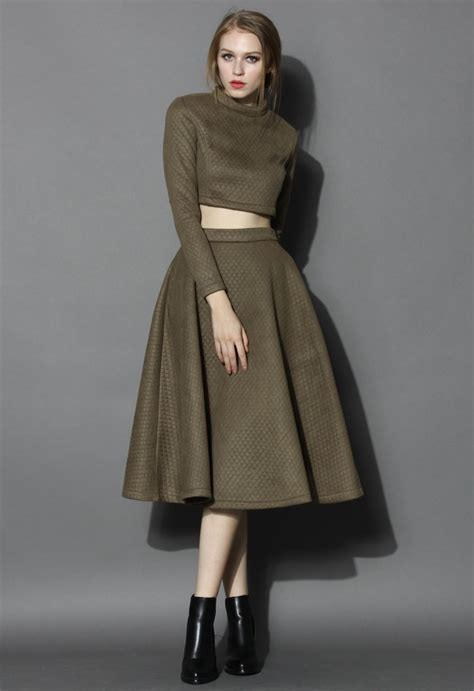 Set Topskirt Jj494 quilted crop top and midi skirt set in olive retro and unique fashion