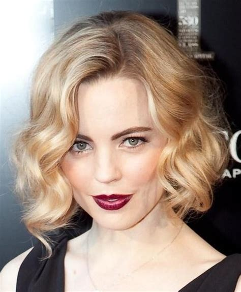 short wavy blonde hair cuts 20 best short wavy haircuts for women popular haircuts
