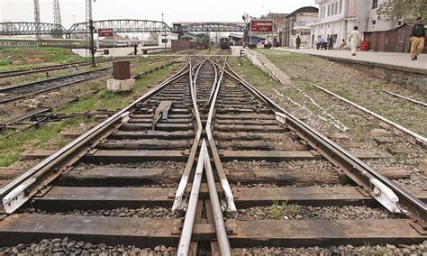 The Rails The Journeymen That Keep Trains Chugging Pakistan