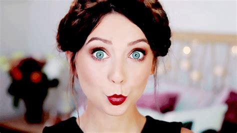 winter makeup tutorial zoella is this the first look at zoella s brand new perfume we