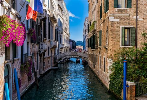 s day venice canal the canals of venice lightcentric photography