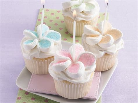 Cool Betty Powder Cake 3 cupcakes cafemom
