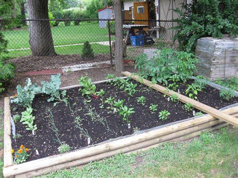 Small Backyard Vegetable Garden Designs ? 24 SPACES