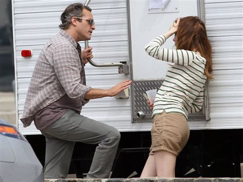 emma stone joaquin phoenix emma stone and joaquin phoenix on set 63 of 66 zimbio