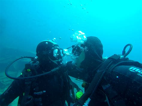 padi dive how to get padi diver certified for free the brit the