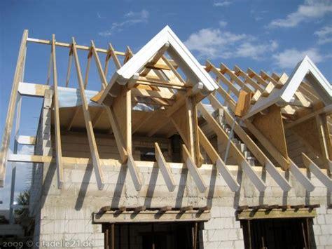 Dachstuhl Mit Gaube by Die Gro 223 E Dachgaube 252 Ber Dem Eingangsbereich Citadelle21