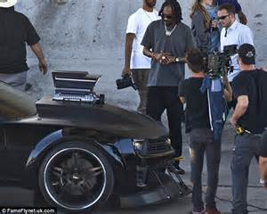 Headl New Vios Black Original grease is the word for snoop as he recreates