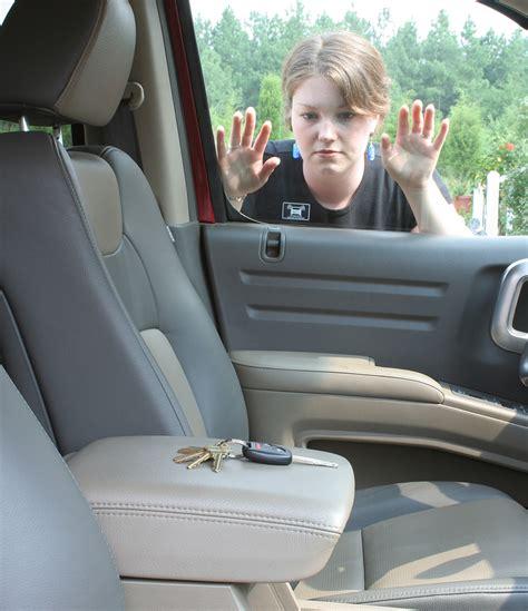auto lockout car unlock naperville plainfield bolingbrook il vehicle lockout service