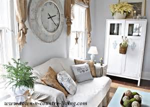 country decorating style in a farmhouse family room live