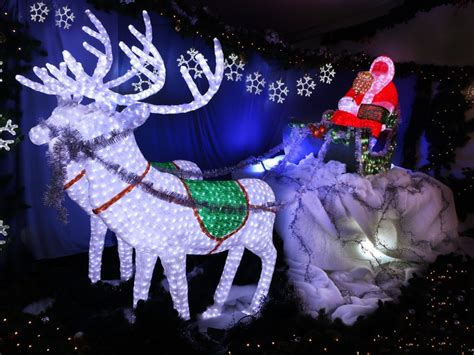 good christmas lights in the east valley 2018 lights spectacular nsw holidays accommodation things to do attractions and events