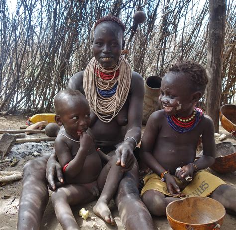 african tribes women giving birth african women giving birth www pixshark com images