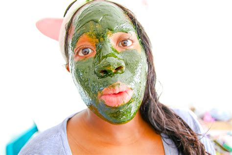 Facemask Crush Greentea glowing green tea mask savvy naturalista