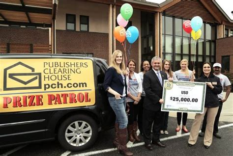 publishers clearing house com publishers clearing house prize patrol delivers 25 000 check to the uso the