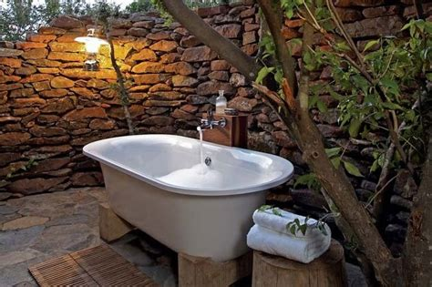 outdoor bathtub wooow outside tub