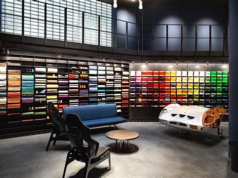 suzuki italia sede lapo elkann inaugura a la nuova sede garage italia