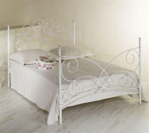 bett romantisch doppelbett romantisch z b in braun aus metall amarete