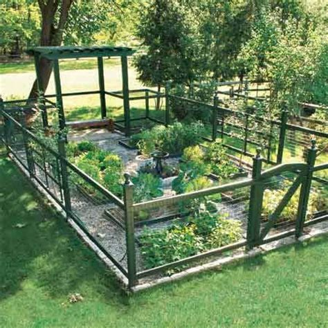 fence for vegetable garden 25 best ideas about vegetable garden fences on