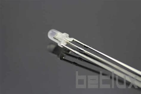 diode led bicolore product image led bicolor 3 mil 237 metros led 3 pinos 3mm diode led bicolore 3 p 244 les