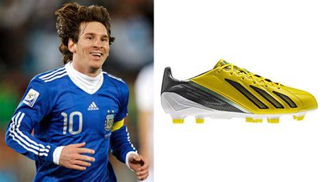 Sepatu Bola Yang Dipakai Messi 20 pesepakbola dan model sepatu yang digunakan lionel