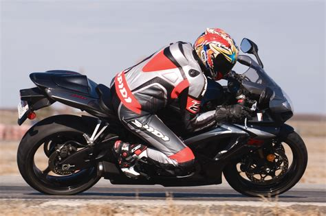 Suzuki Gsxr 750 Review 2007 Suzuki Gsx R750 Test Track And Review