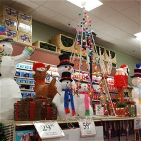 christmas tree shops 29 photos 36 reviews christmas