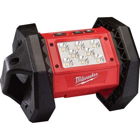 milwaukee m18 flood light milwaukee m18 led flood light 18 volts model 2361 20