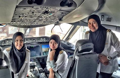 a day in the of an airline pilot books royal brunei airlines all cockpit crew