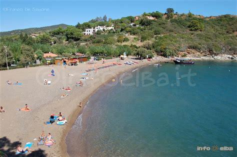 porto azzurro spiagge spiaggia di barbarossa all isola d elba a porto azzurro