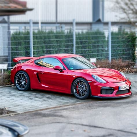 carmine red porsche new model perspective 2016 porsche cayman gt4 premier