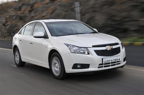 chevrolet cruze facelift revealed autocar india chevrolet cruze review diesel 2012 cars first drive