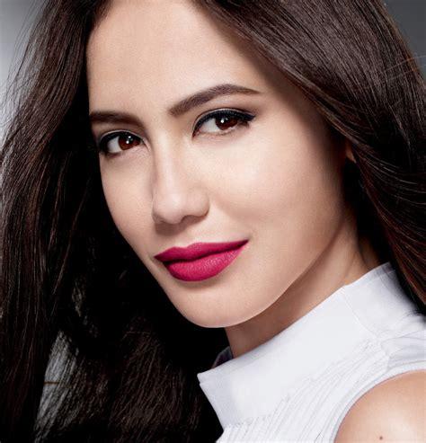 Maybelline Indonesia pevita pearce menjadi wajah baru maybelline indonesia