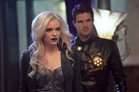 caitlin and will the flash season 3 will delve deeper into caitlin snow s