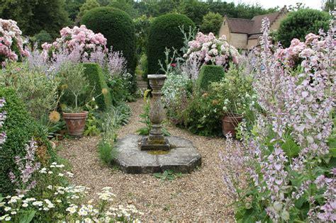 backyard gardening blog 吉谷桂子のガーデニングブログ イギリスの素敵な庭 3 livedoor blog ブログ