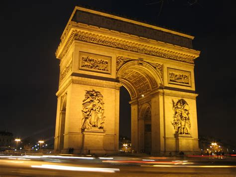 world visits arc de triomphe popular monument in
