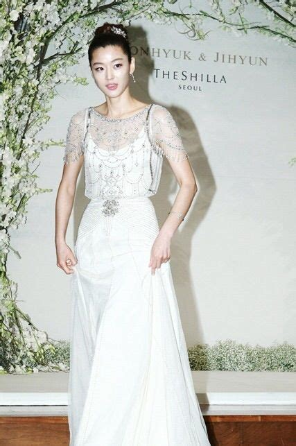 goo hye sun dress in wedding gowns 25 gorgeous photos of korean celebrities in wedding