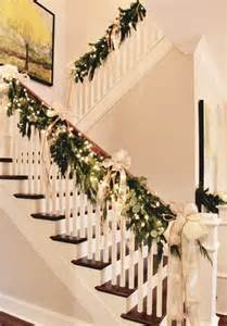 Garland For Stair Banister by 37 Beautiful Staircase D 233 Cor Ideas To Try Digsdigs