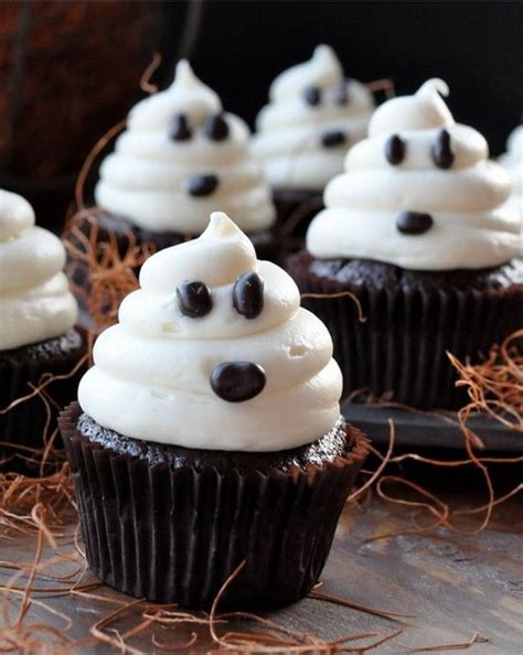 halloween cupcakes 17 best ideas about halloween cupcakes on pinterest