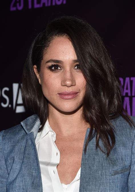 meghan markle meghan markle medium wavy cut shoulder length hairstyles