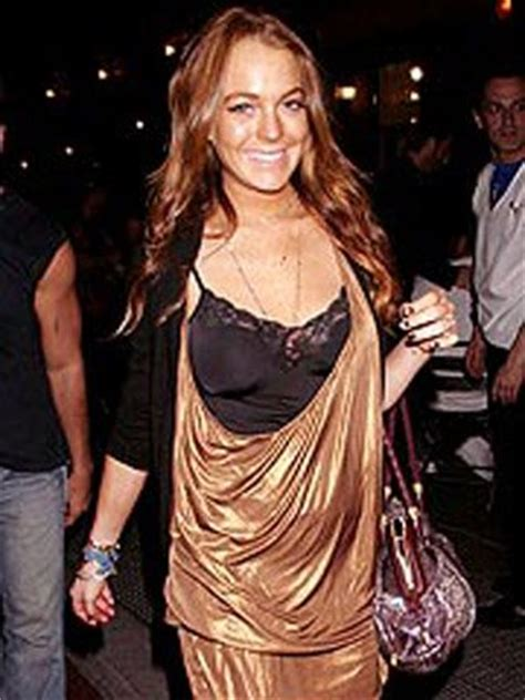Lepaparazzi News Update Pals Unsafe Without Lindsay Lohan lepaparazzi news and gossip lindsay