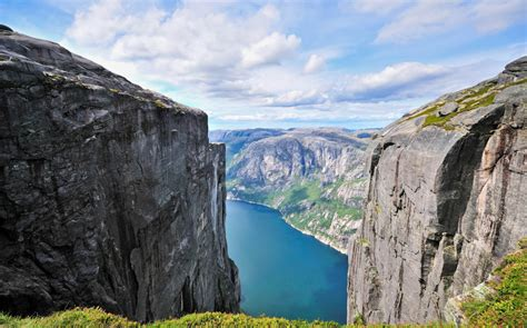 fjord tsunami luxury holidays the fjords discover dramatic landscapes